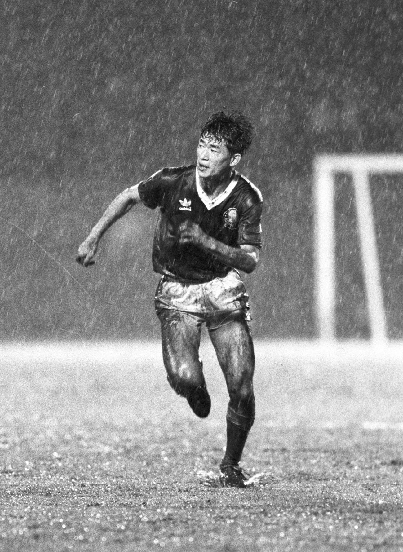 86年5月 パルメイラス対アルジェリア選抜に出場するカズ(三浦知良)