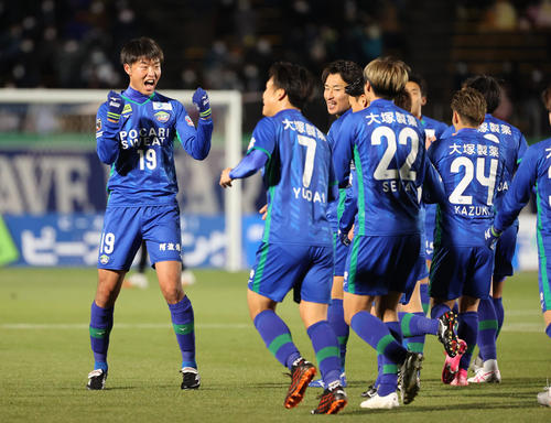 徳島7年ぶりJ1昇格、3度目の正直ホームで決めた - ニッカンスポーツ