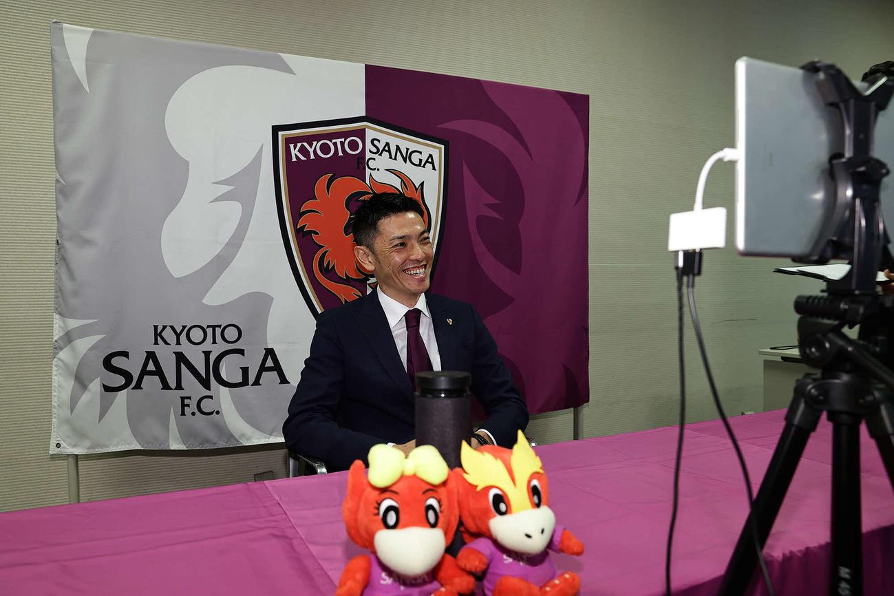 引退会見を行う安藤(C)KYOTO.P.S.