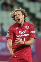 C大阪8戦勝ちなしフォルラン怒りの蹴り - J1ニュース : nikkansports.com