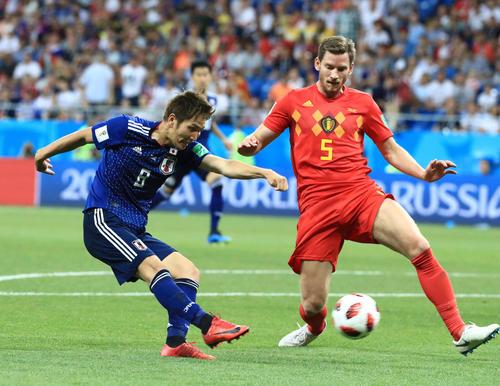 日本対ベルギー 後半、右足で先制ゴールを決める原口(撮影・江口和貴)