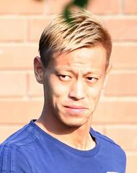 サッカー指導者に免許は必要か。本田と岡崎が対話 - 海外サッカー : 日刊スポーツ
