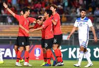 韓国、日本と同組のウズベキスタンに4発快勝 - 海外サッカー : 日刊スポーツ