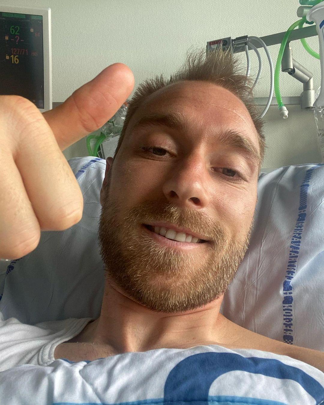 笑顔のデンマーク代表MFエリクセンはツイッターでサムズアップポーズを披露(ロイター)