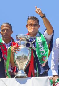 ポルトガルが帰国 ロナルド「歴史の一部になった」 - 海外サッカー : 日刊スポーツ