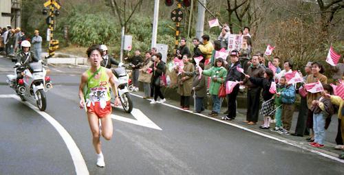 第67回箱根駅伝 5区を力走する大東大の奈良修(1991年1月2日)