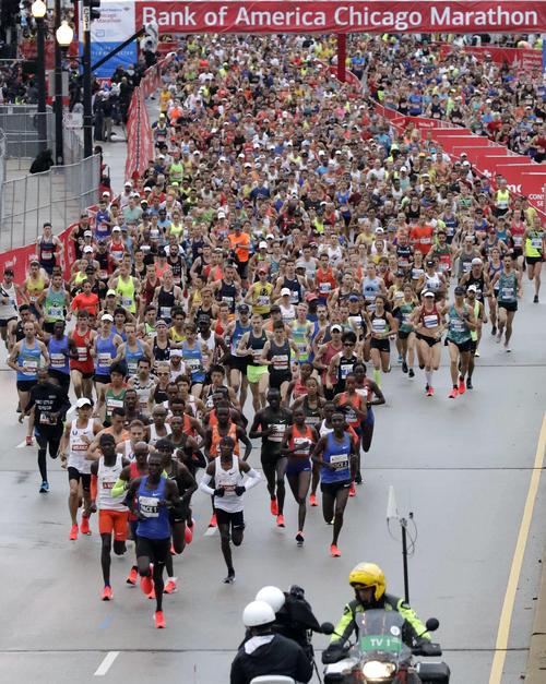 シカゴマラソンのスタート風景(AP)