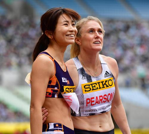 女子100メートル障害 13秒11で日本人最上位の6位となる木村文子(左)(撮影・清水貴仁)