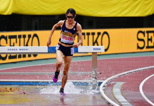 女子3000メートル障害 10分12秒12で石沢ゆかりが優勝する(撮影・清水貴仁)