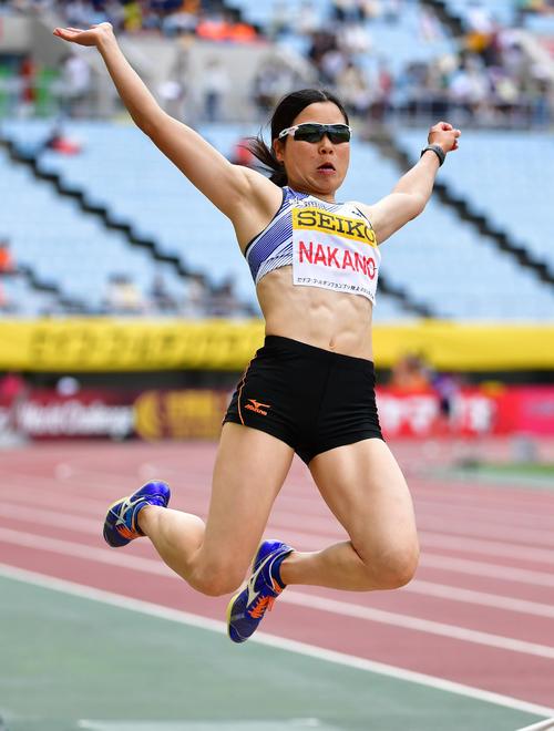 女子走り幅跳び 6メートル25の記録5位となる中野瞳(撮影・清水貴仁)