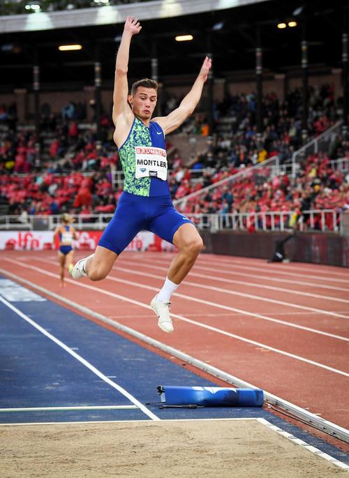 男子走り幅跳びで優勝したトビアス・モントラー(ロイター)