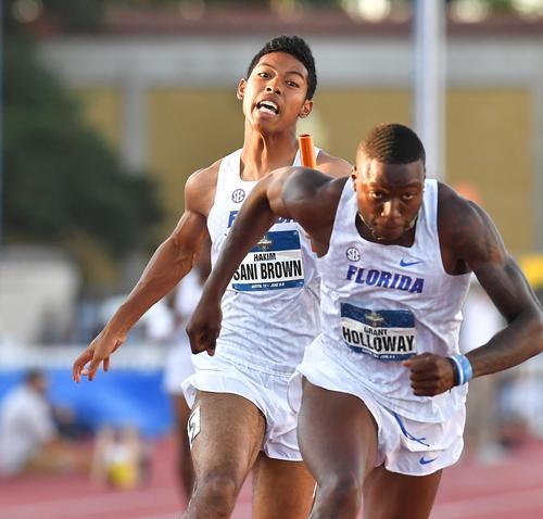 全米大学選手権男子400メートルリレー決勝で2走を務め、優勝したサニブラウン(撮影・菅敏)
