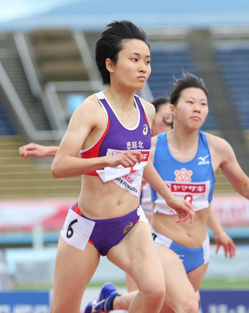女子100メートル予選 1組 予選1組1着の御家瀬緑(撮影・梅根麻紀)