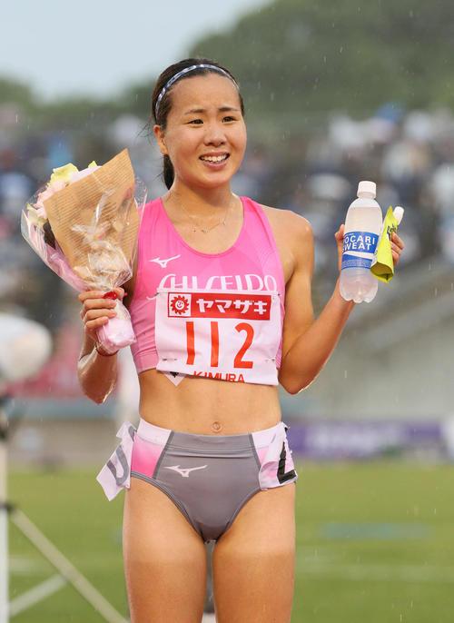 女子5000メートル決勝 優勝した木村友香(撮影・栗木一考)