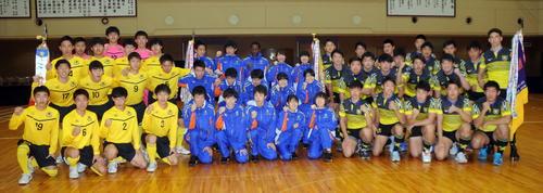 全国大会に出場する仙台育英の選手たち。左からサッカー部、男女駅伝チーム、ラグビー部(撮影・佐々木雄高)