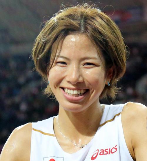 Photo of Hitomi Shintani sets half-marathon record in Japan with platform shoes