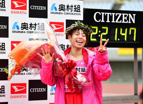 Photo of Aiming for Fukushi, Matsuda and other Olympics / Osaka International Women's Marathon Bulletin