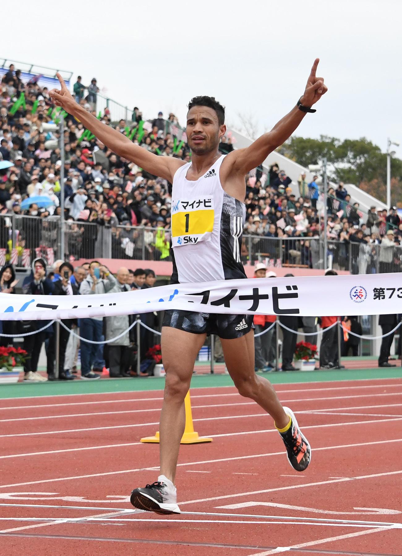 19年12月1日、福岡国際マラソンで優勝したエルマハジューブ・ダザ