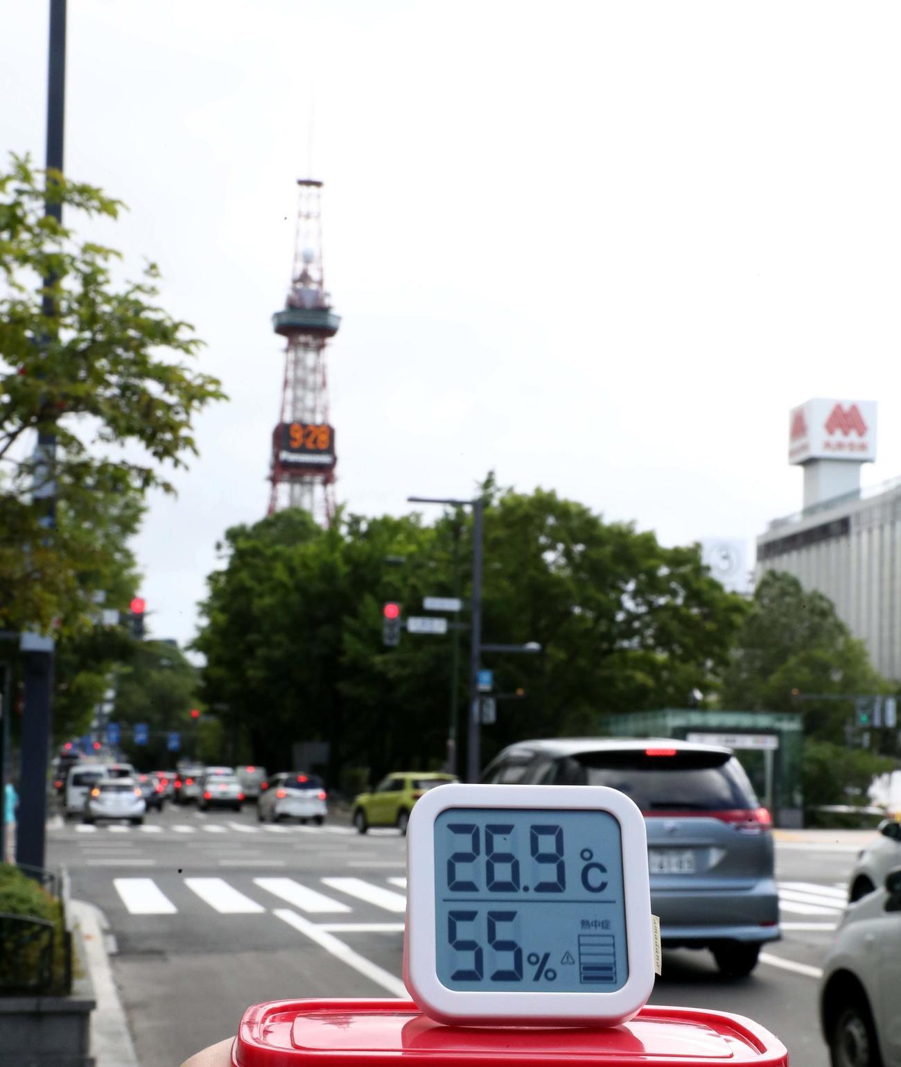 東京五輪 札幌マラソンコース ゴール地点 大通公園 午前9時28分 26・9℃(撮影・黒川智章)