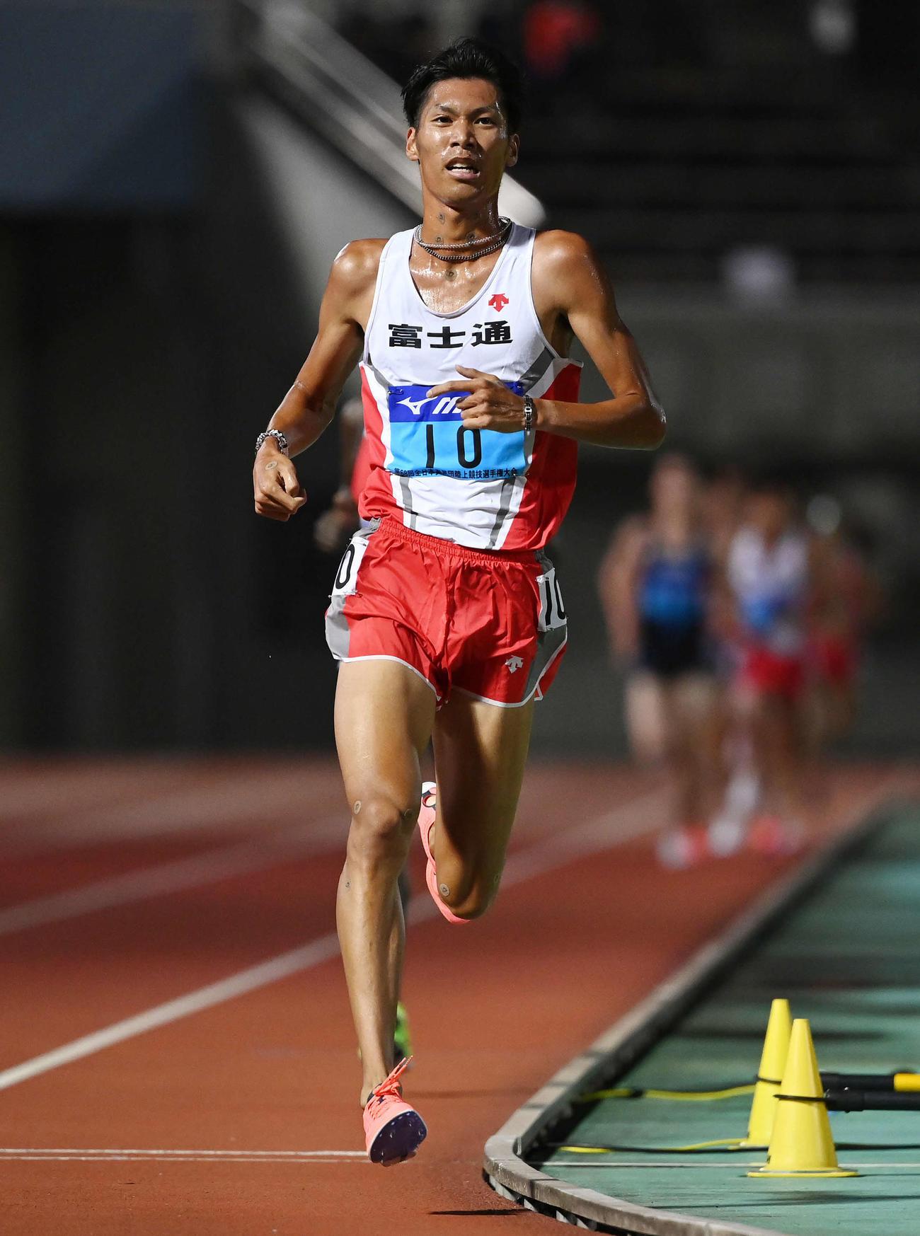 男子5000メートルで日本人1位の坂東(撮影・鈴木みどり)