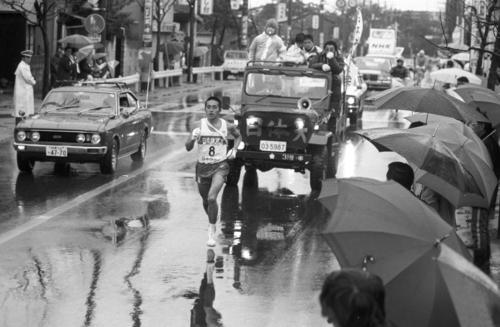 復路8区 1年生ながら区間新(1時間06分20秒)の快走を見せた日体大・大塚正美(水戸工、81年5区、82-83年2区いずれも区間1位)=1980年1月3日