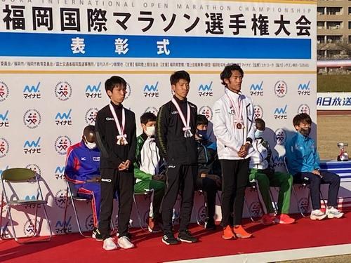 左から1位吉田祐也、2位大塚祥平、3位寺田夏生
