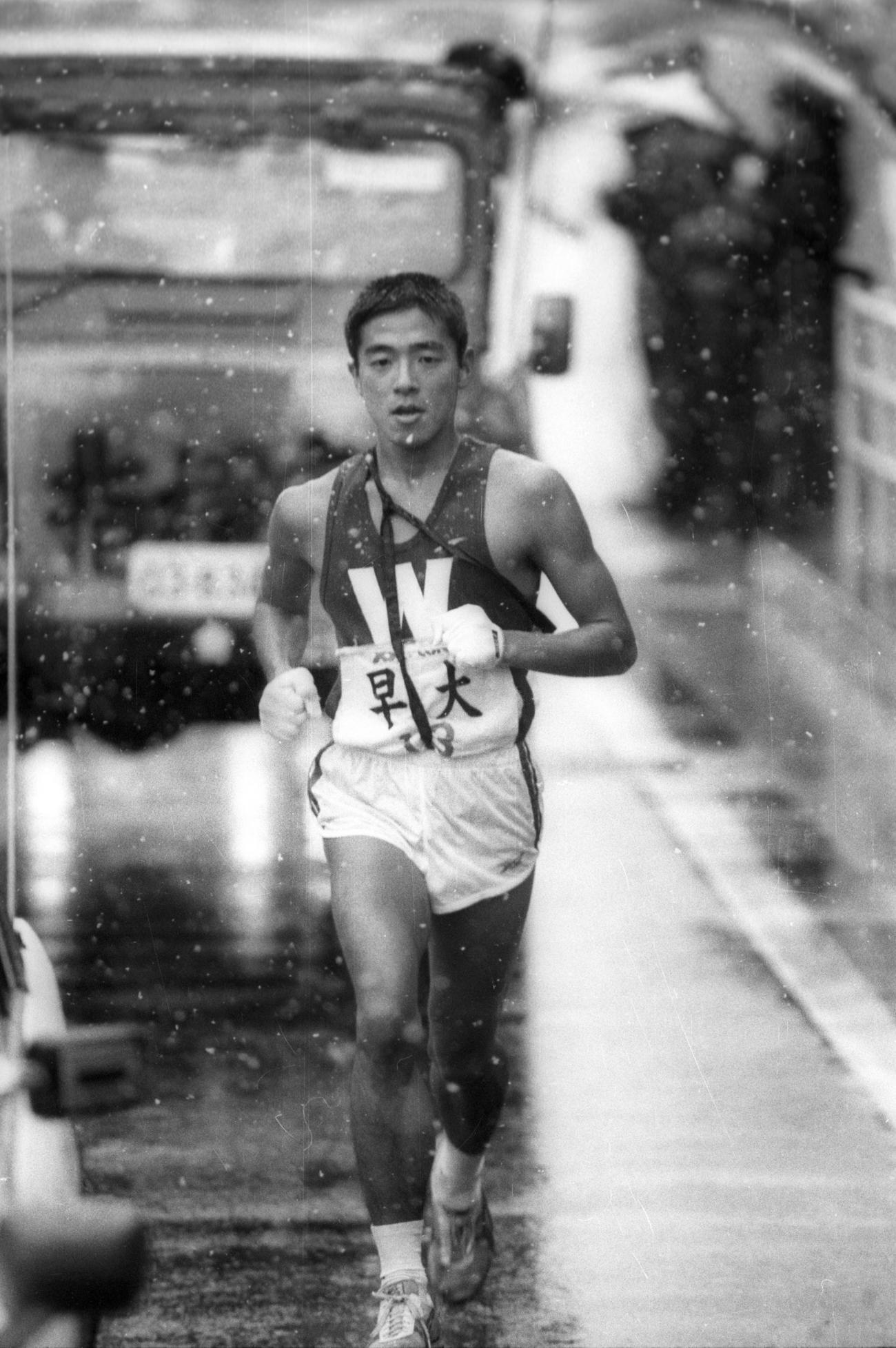 復路7区 昨年と同姓同名だが、箱根初出場の早大・伊藤雅弘(4年、区間6位)=1985年1月3日