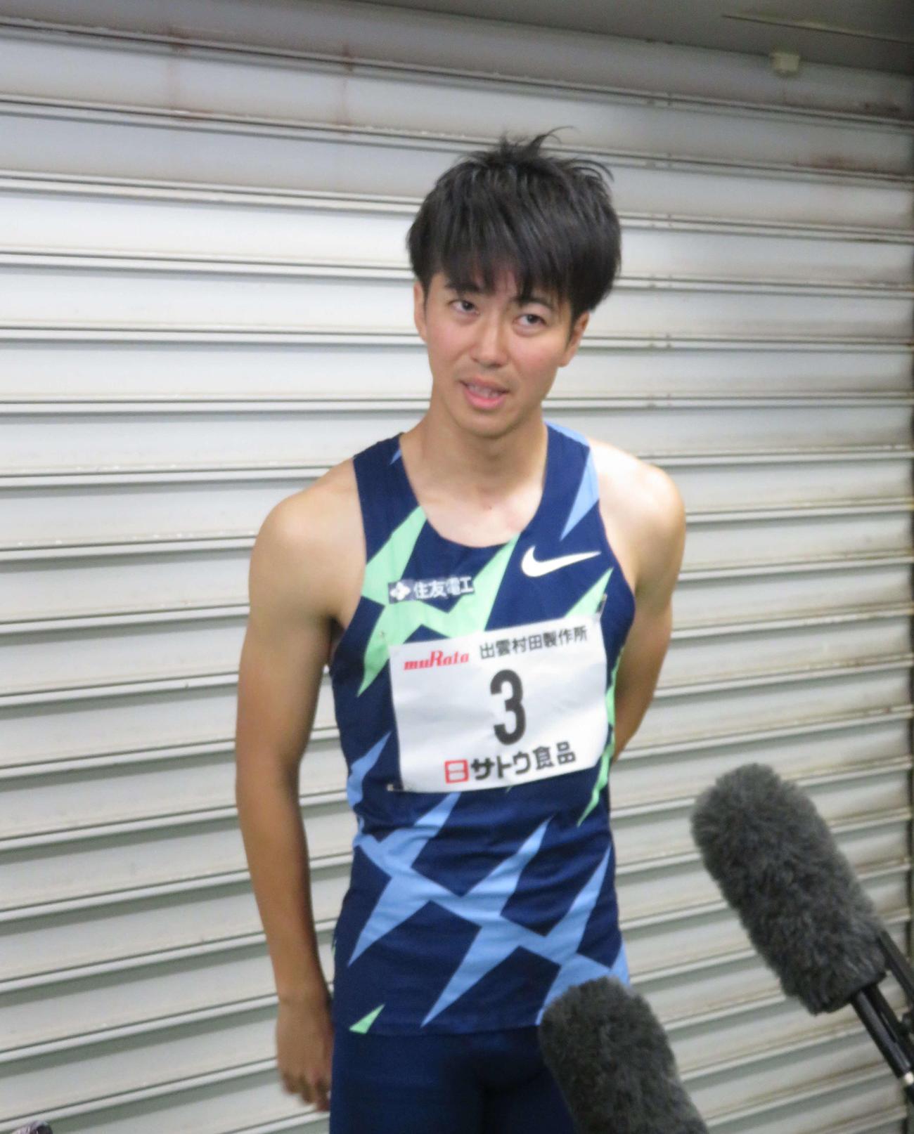 出雲陸上特別レース男子100メートル決勝後、取材に応じる多田(撮影・上田悠太)
