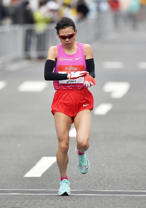 東京五輪のテスト大会となる「札幌チャレンジハーフマラソン」の女子で2位の松田(代表撮影)