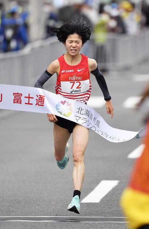 東京五輪のテスト大会となる「札幌チャレンジハーフマラソン」の女子で3位の鈴木(代表撮影)