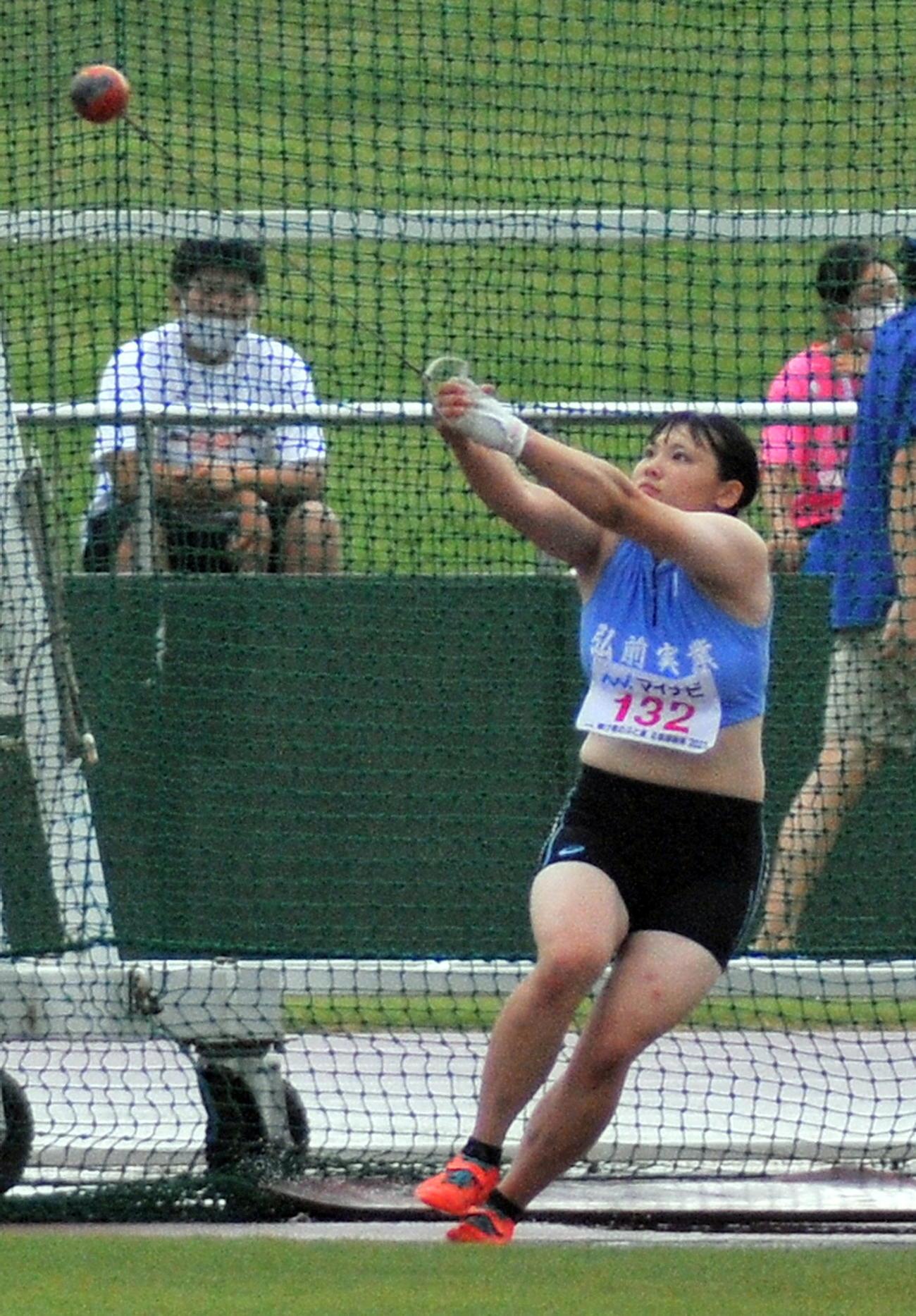 女子ハンマー投げ 村上は5投目に59メートルの大会新をマークして初優勝を決める