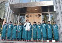青学大・原監督「サンキュー」校舎でV報告会 - 陸上 : 日刊スポーツ