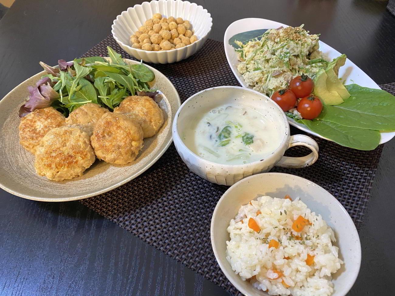 麩を使った料理4品とにんじんご飯