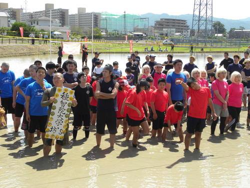 泥だらけで楽しむたんぼラグビーはスポーツの原点 - We Love Sports - スポーツコラム : 日刊スポーツ