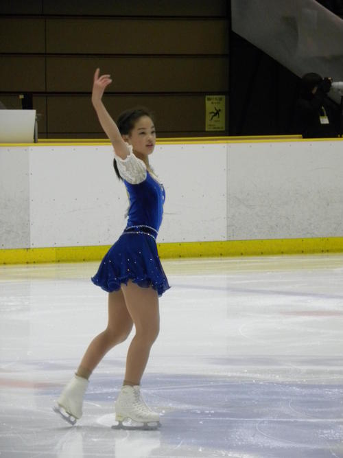 西日本選手権のジュニア女子SPに臨んだ横井きな結