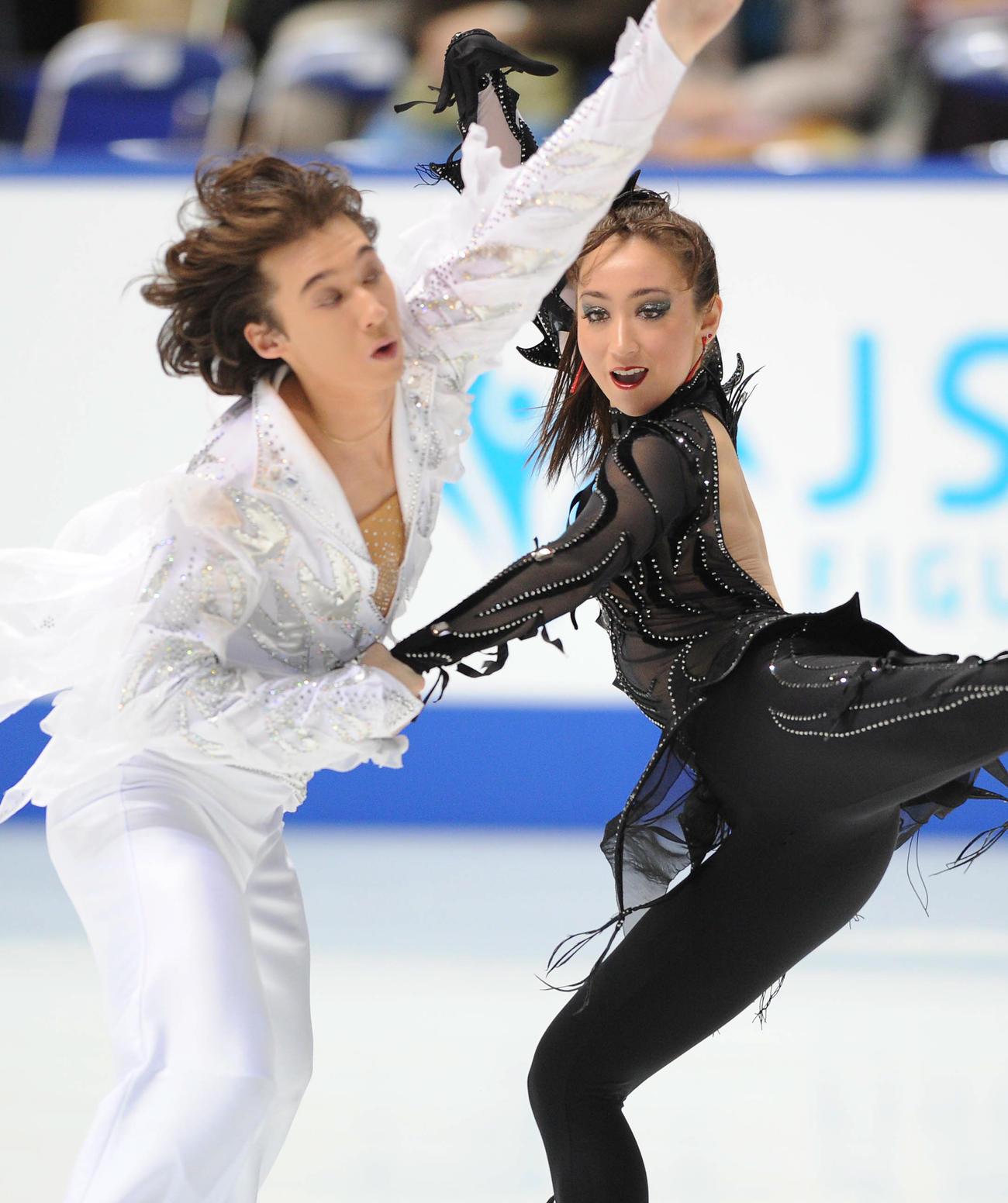 全日本フィギュア選手権 オリジナルダンスを披露するキャシー(右)とクリスのリード組(2009年12月27日)