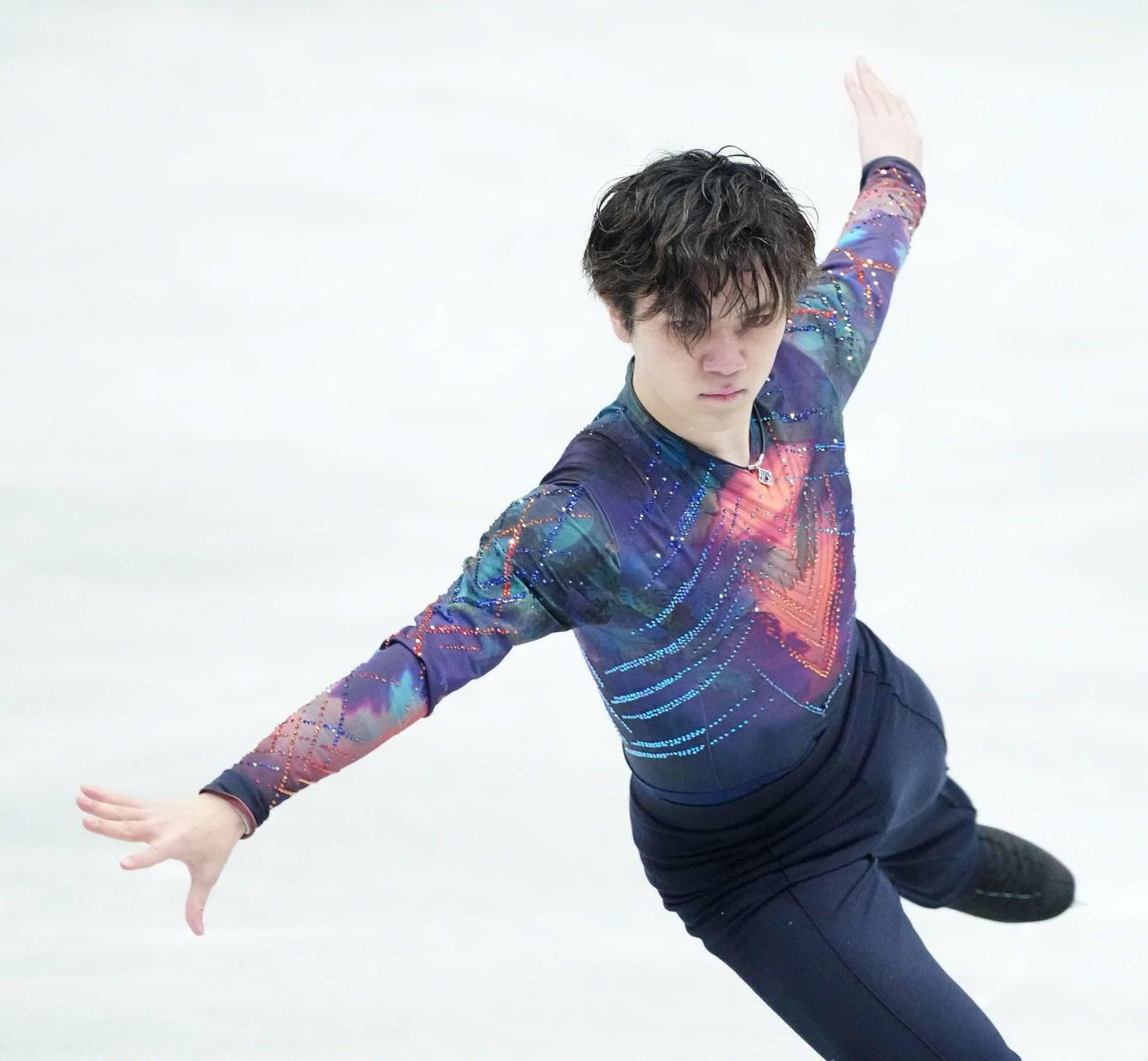 世界フィギュアスケート国別対抗戦・男子SPで演技する宇野昌磨(2021年4月15日 代表撮影)