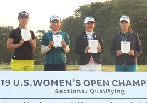 全米女子オープンの出場権を手にした4選手。左から上野菜々子、岡山絵里、吉田優利、天本遥香