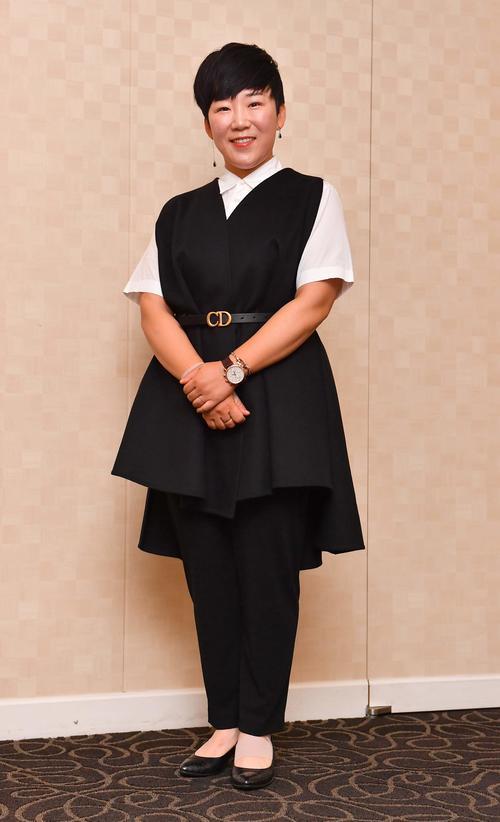 前夜祭でドレスアップする申ジエ(撮影・上田博志)