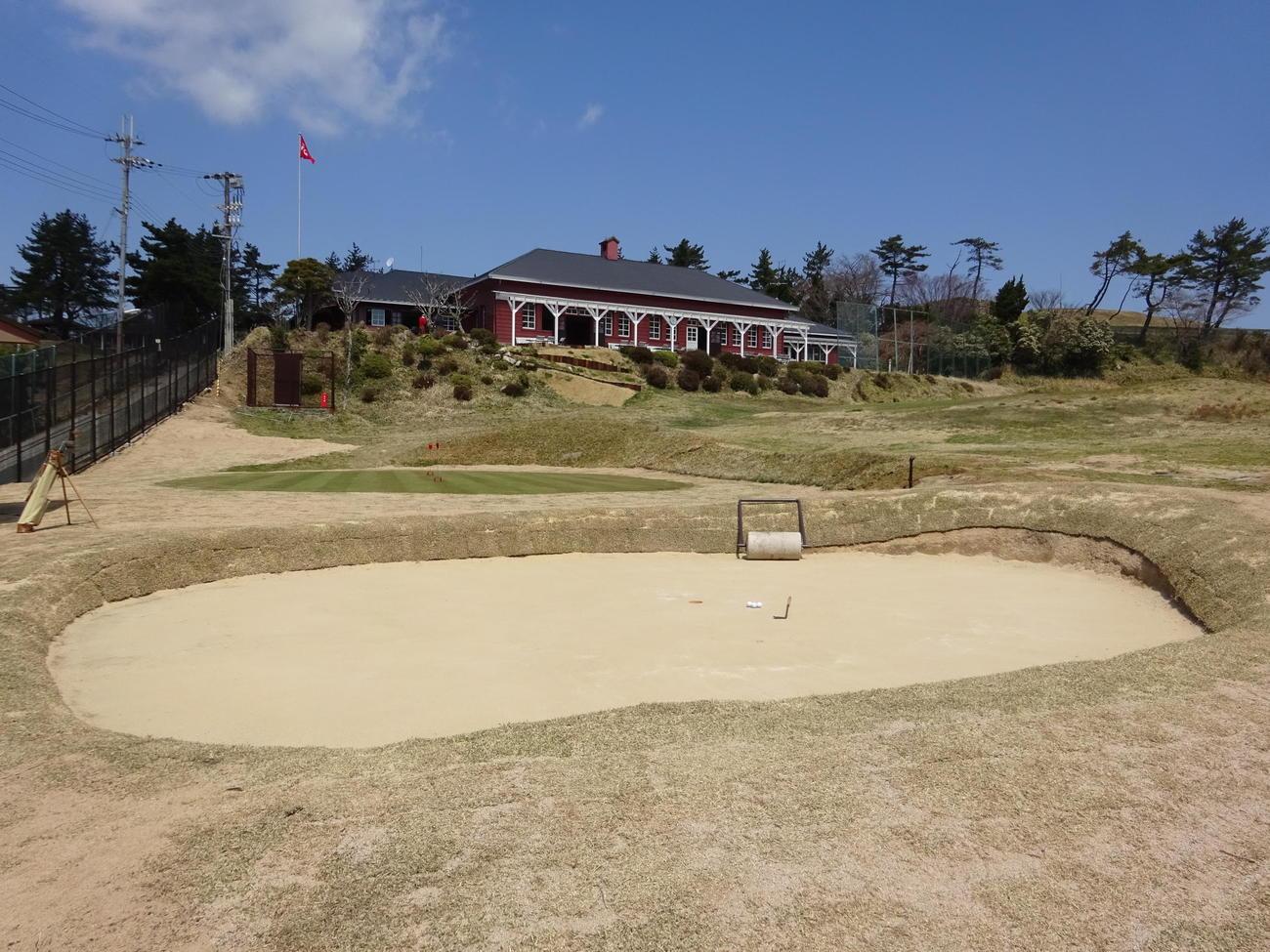 1903年開業の神戸ゴルフ倶楽部に復元されたサンドグリーン(撮影・加藤裕一)