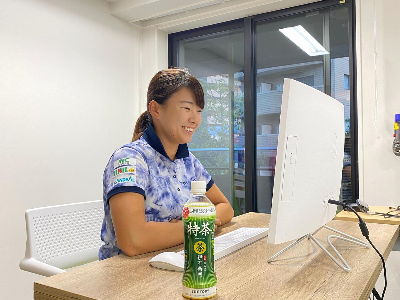 リモート会見に臨む渋野(日本女子プロゴルフ協会提供)