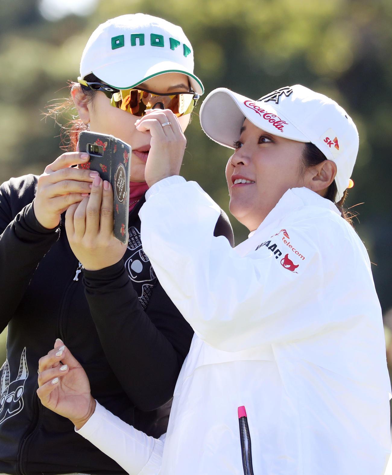 https://www.nikkansports.com/sports/golf/news/img/202011040000186-w1300_7.jpg