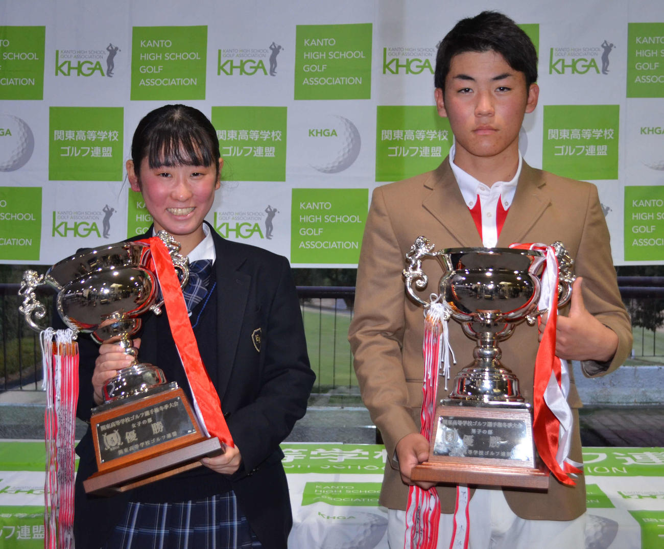 優勝した男子の大野倖(右)と女子の森田彩音(撮影・吉池彰)