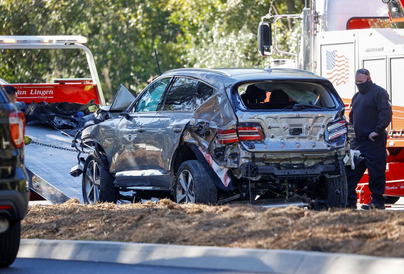 横転で破損したタイガー・ウッズの車両(ロイター)