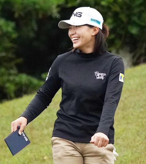 第34回ダイキンオーキッドレディスゴルフトーナメント 練習ラウンドを行う渋野日向子(撮影・清水貴仁)