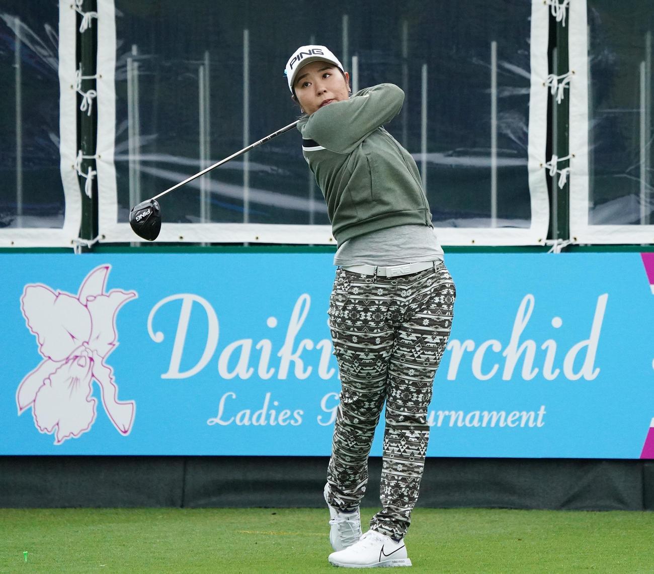 第34回ダイキンオーキッドレディスゴルフトーナメント 練習ラウンドを行う比嘉真美子(2021年3月2日撮影)