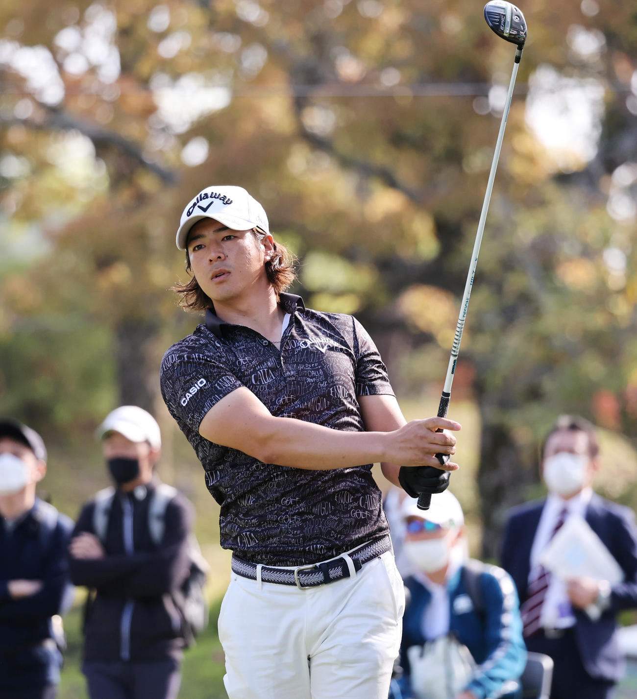関西オープンゴルフ選手権第1日 1番、ティーショットを放つ石川遼(撮影・清水貴仁)