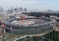 建設中の新国立競技場を約100メートル上空からドローンで撮影
