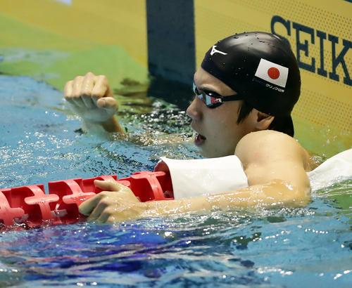 男子200 メートル 自由形決勝 銅メダルの松元は、小さくガッツポーズ(撮影・浅見桂子)