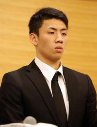 18年8月20日、アジア大会での男子バスケットボール代表の不祥事で帰国し、会見に出席した今村佳太